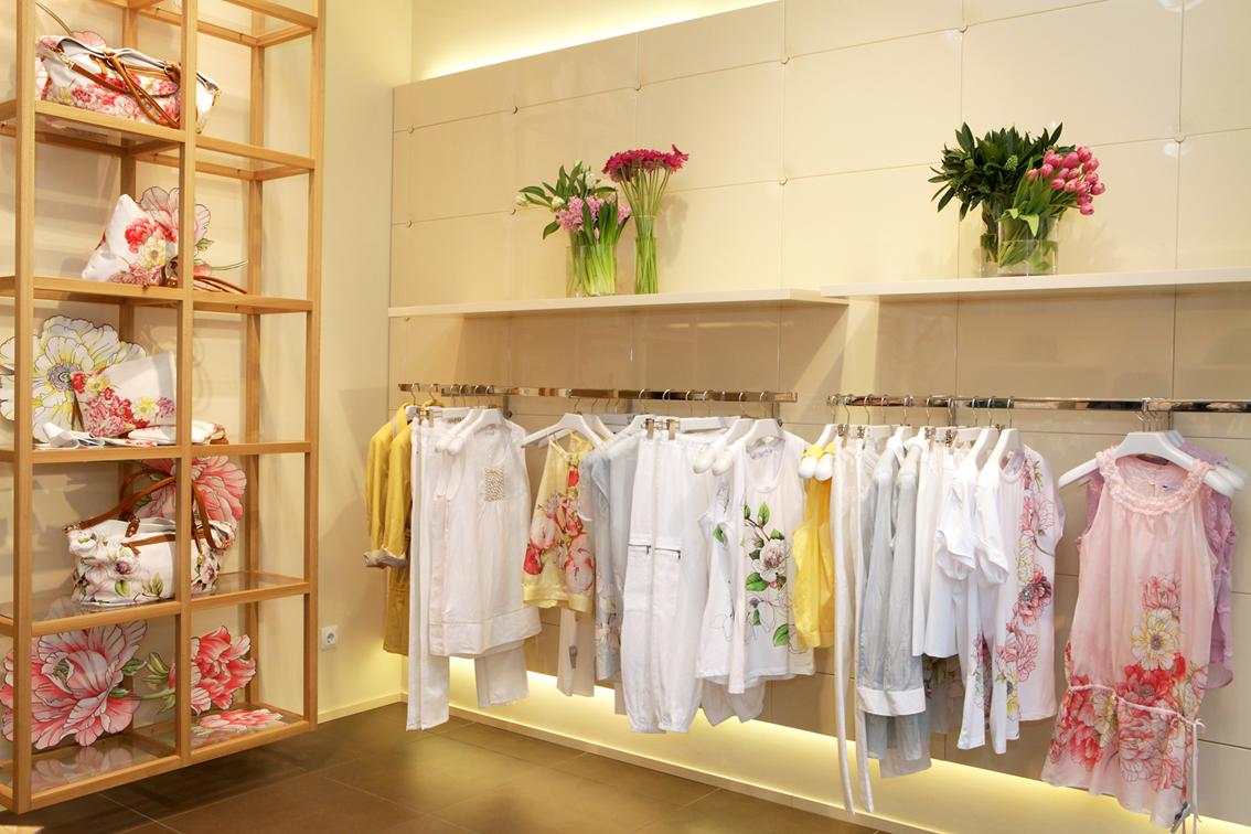 Otra flor de primavera la tienda de marella for Decoracion de negocios de ropa